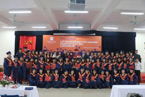 ĐH Đại Nam trao bằng Dược sĩ đại học cho gần 200 học viên liên thông - Ảnh 5