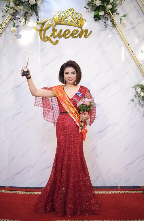 Doanh nhân Phạm Hương - Nữ hoàng có gương mặt khả ái trong cuộc thi Queen Beauty - Ảnh 4