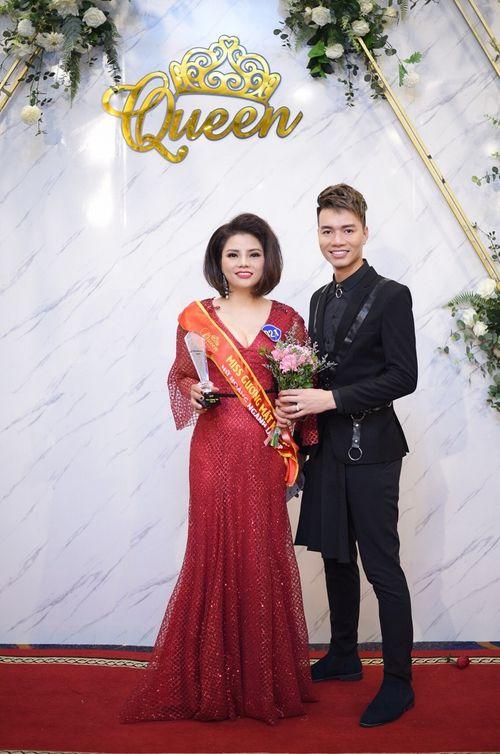 Doanh nhân Phạm Hương - Nữ hoàng có gương mặt khả ái trong cuộc thi Queen Beauty - Ảnh 5