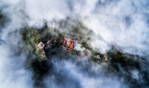 Fansipan – ngọn núi huyền tích, sự ích kỷ và giấc mơ chinh phục đỉnh trời - Ảnh 1