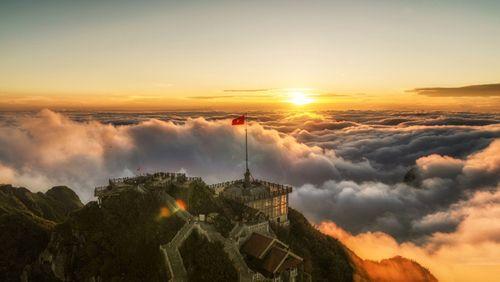 Fansipan – ngọn núi huyền tích, sự ích kỷ và giấc mơ chinh phục đỉnh trời - Ảnh 4