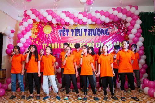 Cô giáo thanh nhạc Nguyễn Linh Thúy - Tấm lòng nhân ái vì cộng đồng - Ảnh 5