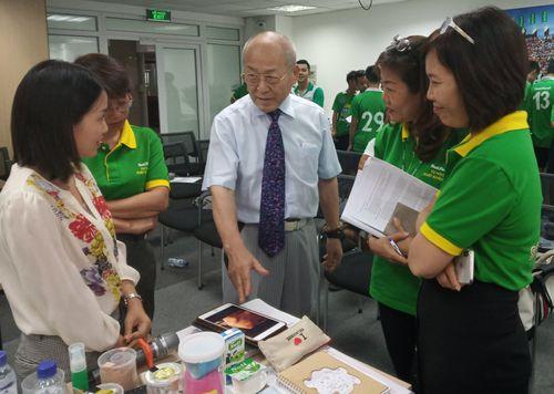 Bác sĩ Nhật hướng dẫn trị liệu chấn thương cho học viện bóng đá NutiFood JMG - Ảnh 4