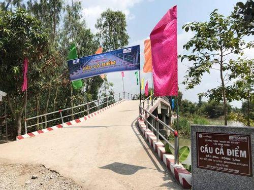 Phuc Khang Corporation & CLB Doanh Nhân Sài Gòn: Bàn giao cầu cho người dân Đồng Tháp - Ảnh 1