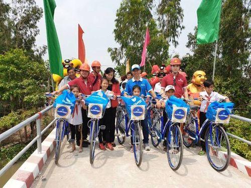 Phuc Khang Corporation & CLB Doanh Nhân Sài Gòn: Bàn giao cầu cho người dân Đồng Tháp - Ảnh 3
