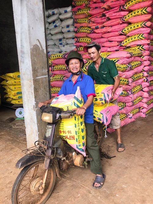 PVFCCo 16 năm liên tiếp giữ vững danh hiệu Hàng Việt Nam chất lượng cao - Ảnh 2