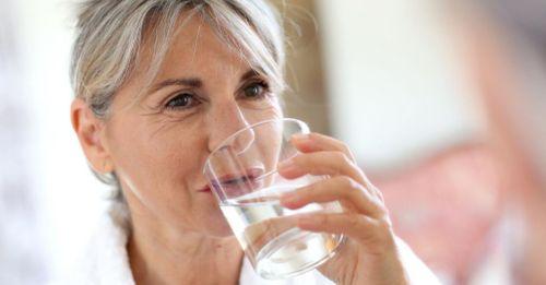 Nước ion canxi cùng bạn quan tâm đến cha mẹ mỗi ngày - Ảnh 2
