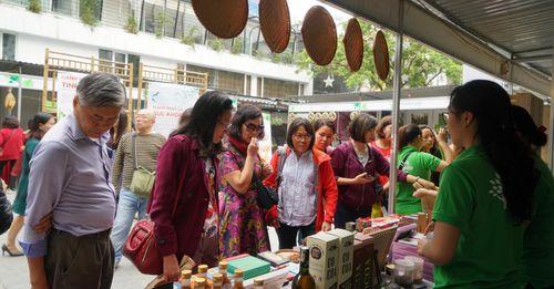 """""""Thả ga"""" mua sắm nông sản, thực phẩm an toàn tại hội chợ Nông nghiệp sạch - Ảnh 1"""