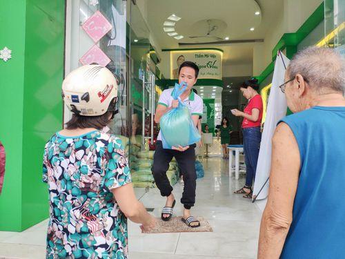 """TMV Sài Gòn Venus và những chương trình từ thiện ý nghĩa """"Cho đi là còn mãi"""" - Ảnh 1"""