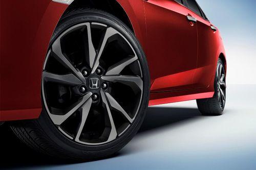 Đến Honda Ôtô Gia Lai, cảm nhận ngay Civic 2019: 3 biến thể, thêm công nghệ, đổi thiết kế - Ảnh 4