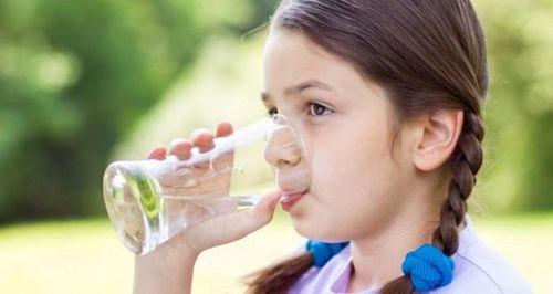 Tư vấn mua máy lọc nước uống trực tiếp cho gia đình có trẻ nhỏ - Ảnh 1