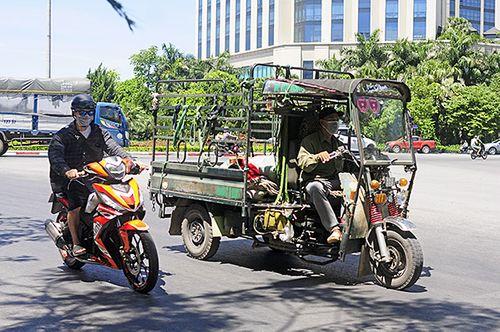 Xe ba gác, tự chế tung hoành trên mọi nẻo đường Hà Nội - Ảnh 1