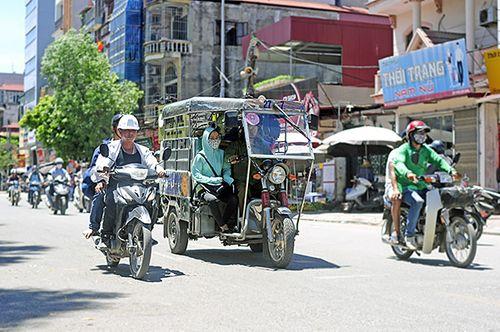 Xe ba gác, tự chế tung hoành trên mọi nẻo đường Hà Nội - Ảnh 11