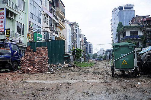 Hà Nội: Cận cảnh dự án 1,6km đường mương đầu tư 740 tỷ đồng, 10 năm vẫn chưa xong - Ảnh 2