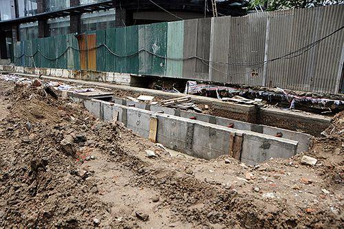 Hà Nội: Cận cảnh dự án 1,6km đường mương đầu tư 740 tỷ đồng, 10 năm vẫn chưa xong - Ảnh 4