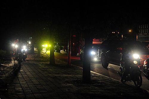 Gần nửa đêm, một số tuyến đường Hà Nội vẫn ùn tắc do người dân đi nghỉ lễ 2/9 - Ảnh 9