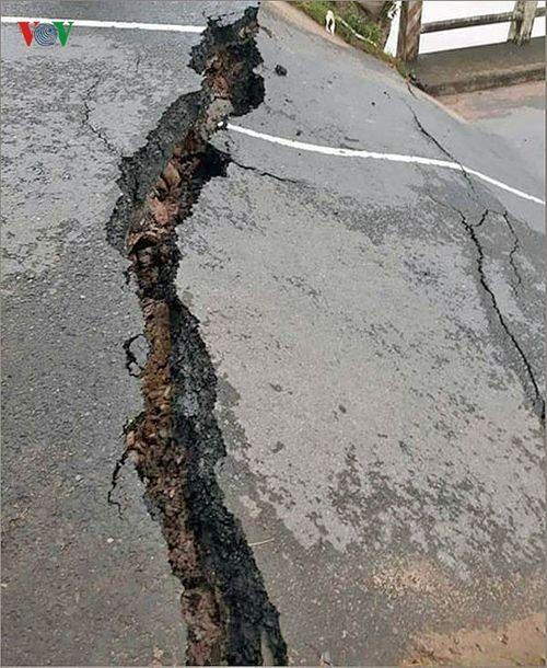 Bình Thuận: Sập cầu chưa rõ nguyên nhân, giao thông bị chia cắt - Ảnh 2