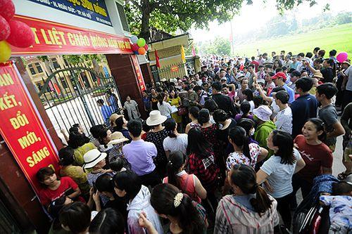 """Trường Sơn Đồng bị tố """"lạm thu"""": Phụ huynh bảo đã đóng, lãnh đạo huyện nói chưa thu - Ảnh 2"""