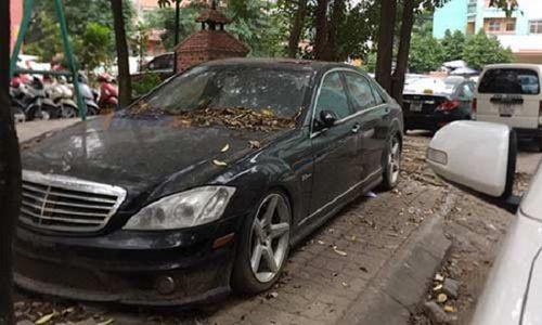 Góc xót của: Xế sang Mercedes 10 tỷ phủ bụi trên phố Hà Nội hàng tháng trời - Ảnh 1