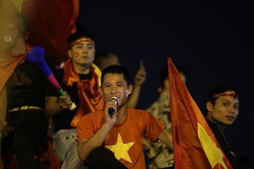 SVĐ Mỹ Đình đỏ rực trước bán kết lượt về Việt Nam - Philippines - Ảnh 8