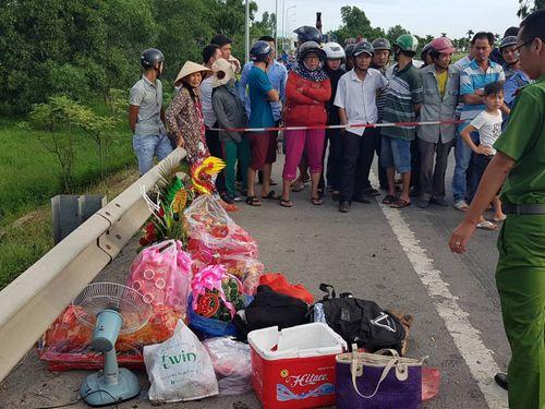 """Vụ tai nạn 13 người chết ở Quảng Nam: Chiếc xe """"oan nghiệt"""" không đăng ký kinh doanh dịch vụ - Ảnh 2"""