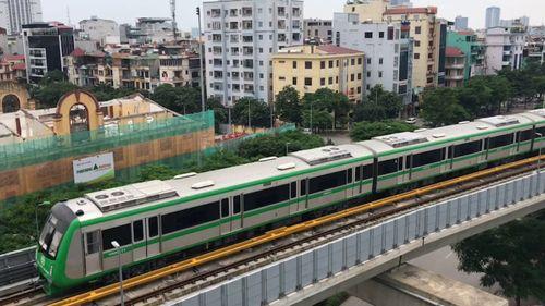 Lần đầu tiên người dân Hà Nội đi tàu điện Cát Linh – Hà Đông - Ảnh 2