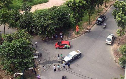 Siêu xe Rolls-Royce toác đầu sau cú va chạm với xe Honda CRV - Ảnh 2