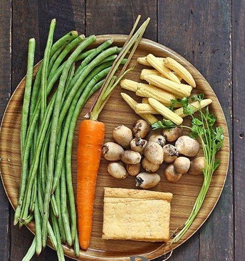 Cách nấu món rau củ kho chay cực hấp dẫn cho bữa cơm thanh đạm - Ảnh 1