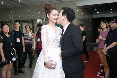 Rộ tin đồn Nhã Phương - Trường Giang sẽ đính hôn vào ngày 24/8 - Ảnh 1