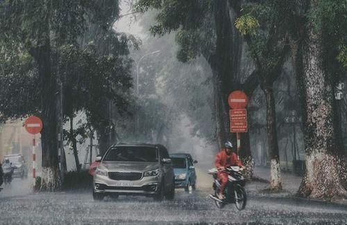 Dự báo thời tiết ngày 2/8: Miền Bắc mưa rào, miền Trung nắng nóng - Ảnh 1