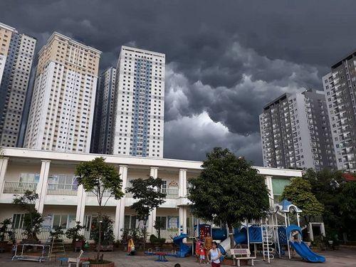 Dự báo thời tiết 24/8: Mưa rào và dông xuất hiện trên cả nước, đề phòng tố lốc - Ảnh 1