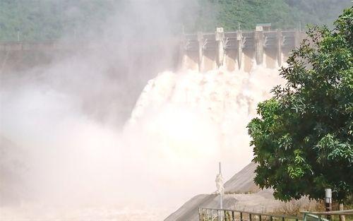 Công an truy tìm người tung tin vỡ đập thủy điện lớn nhất Nghệ An - Ảnh 1