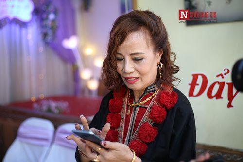 Clip: Cô dâu 61 tuổi bật khóc khi nói về sự quan tâm đặc biệt của mẹ chồng dành cho mình - Ảnh 3