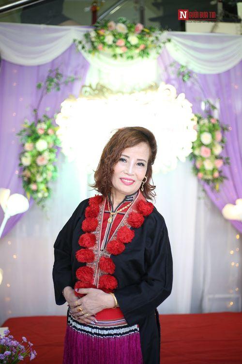 Clip: Cô dâu 61 tuổi bật khóc khi nói về sự quan tâm đặc biệt của mẹ chồng dành cho mình - Ảnh 4