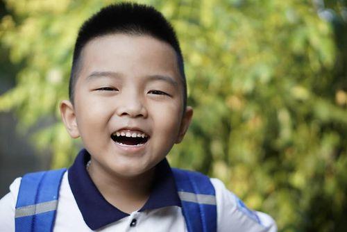 Bố mẹ thi nhau khoe ảnh ngày khai giảng của con với đủ cung bậc cảm xúc - Ảnh 3