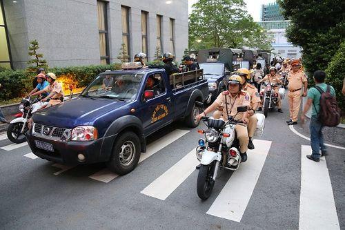 2 ngày ra quân trấn áp, TP. HCM bắt giữ 10 đối tượng tội phạm đường phố - Ảnh 1