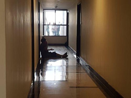 Bé trai 4 tuổi tử vong thương tâm sau khi rơi từ tầng cao chung cư 23 tầng - Ảnh 2