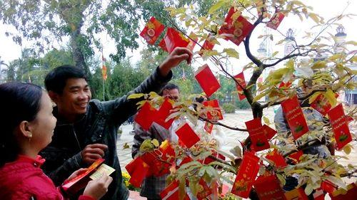 Nguồn gốc, ý nghĩa tục hái lộc đầu năm của người Việt - Ảnh 2