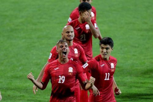 Kết quả Asian Cup 2019 ngày 16/1: Tuyển Việt Nam nuôi hi vọng - Ảnh 2
