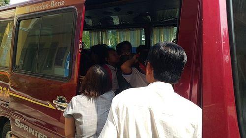 Sau bữa ăn tại trường tiểu học, 50 học sinh phải nhập viện cấp cứu - Ảnh 1