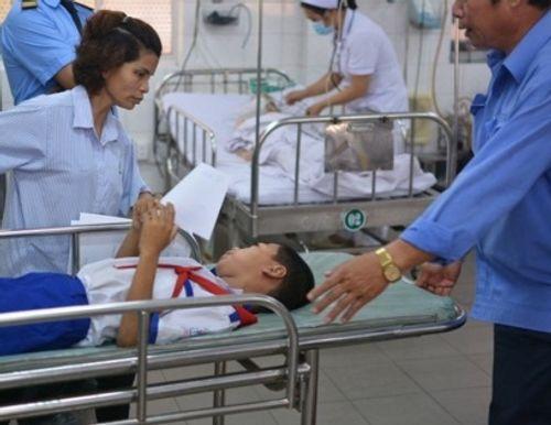 Sau bữa ăn tại trường tiểu học, 50 học sinh phải nhập viện cấp cứu - Ảnh 2