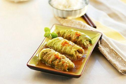 Món ngon mỗi ngày: Cải thảo gói tôm thịt ngọt thơm - Ảnh 1