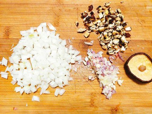 Món ngon mỗi ngày: Chả gà thơm lừng, giòn sần sật khiến cả nhà mê tít - Ảnh 3