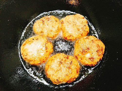 Món ngon mỗi ngày: Chả gà thơm lừng, giòn sần sật khiến cả nhà mê tít - Ảnh 5