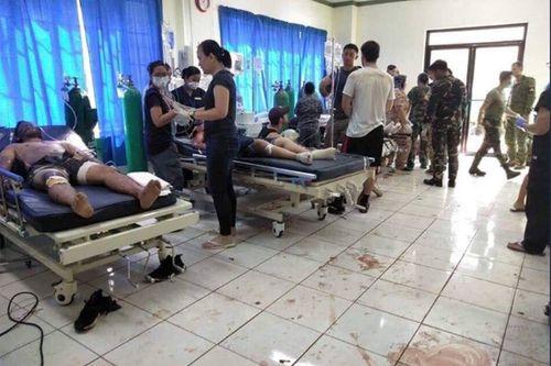 Đánh bom kép đẫm máu tại nhà thờ Philippines, 21 người thiệt mạng - Ảnh 2