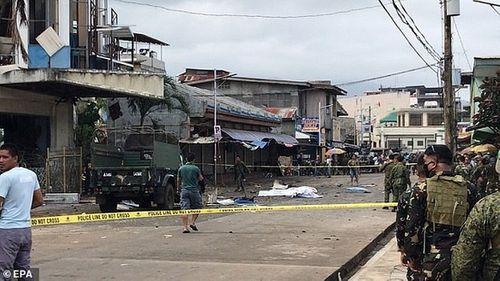 Hiện trường vụ đánh gom thảm khốc khiến 21 người chết ở Philippines - Ảnh 3