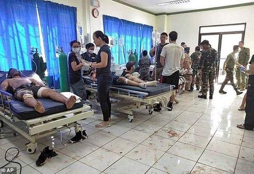 Hiện trường vụ đánh gom thảm khốc khiến 21 người chết ở Philippines - Ảnh 5