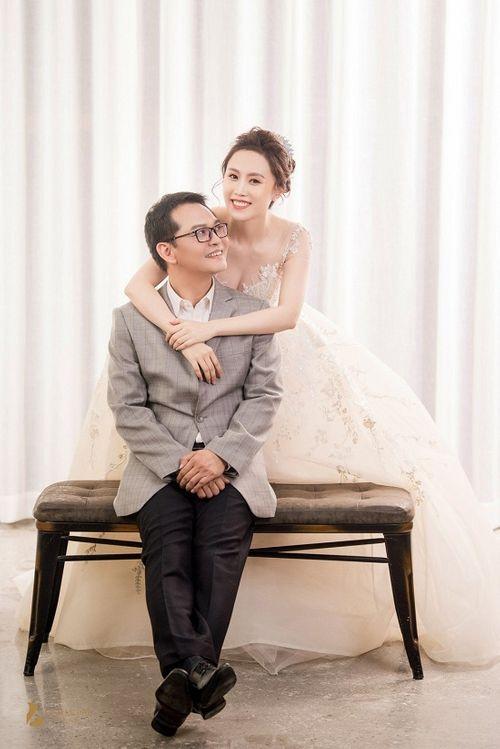 """NSND Trung Hiếu lên tiếng sau đám cưới với vợ 9X xinh đẹp """"Chúng tôi không có đêm tân hôn""""! - Ảnh 1"""