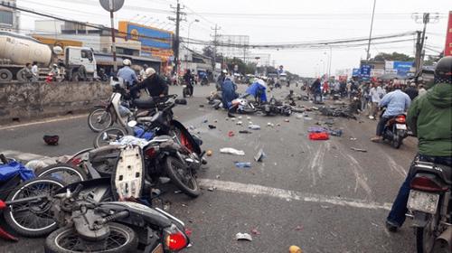 Vụ tai nạn kinh hoàng ở Long An: Người phụ nữ mang thai run sợ kể lại giây phút thoát chết thần kỳ - Ảnh 2