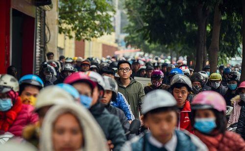 Cận Tết Nguyên đán, đường phố Hà Nội ùn tắc, chật cứng như nêm từ sáng tới chiều - Ảnh 3